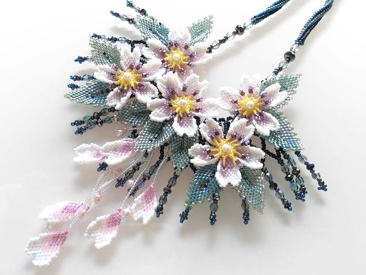 キラキラ桜吹雪のゴージャスチョーカー