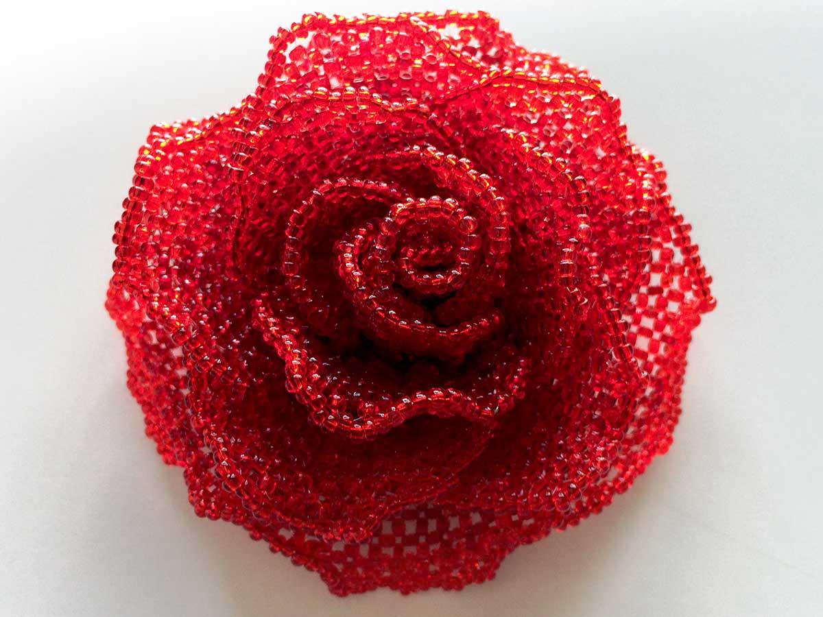 ダークレッドの薔薇ビーズコサージュ