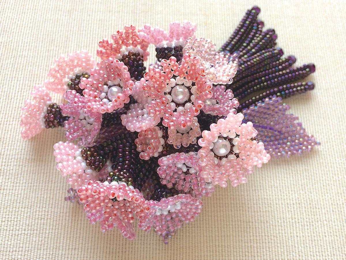 ピンク小花のお花畑ブーケブローチ