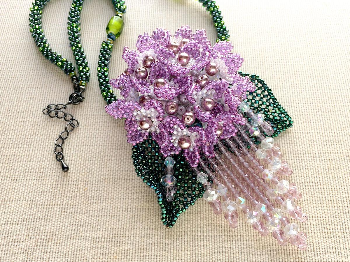 パープルの紫陽花ビーズネックレス