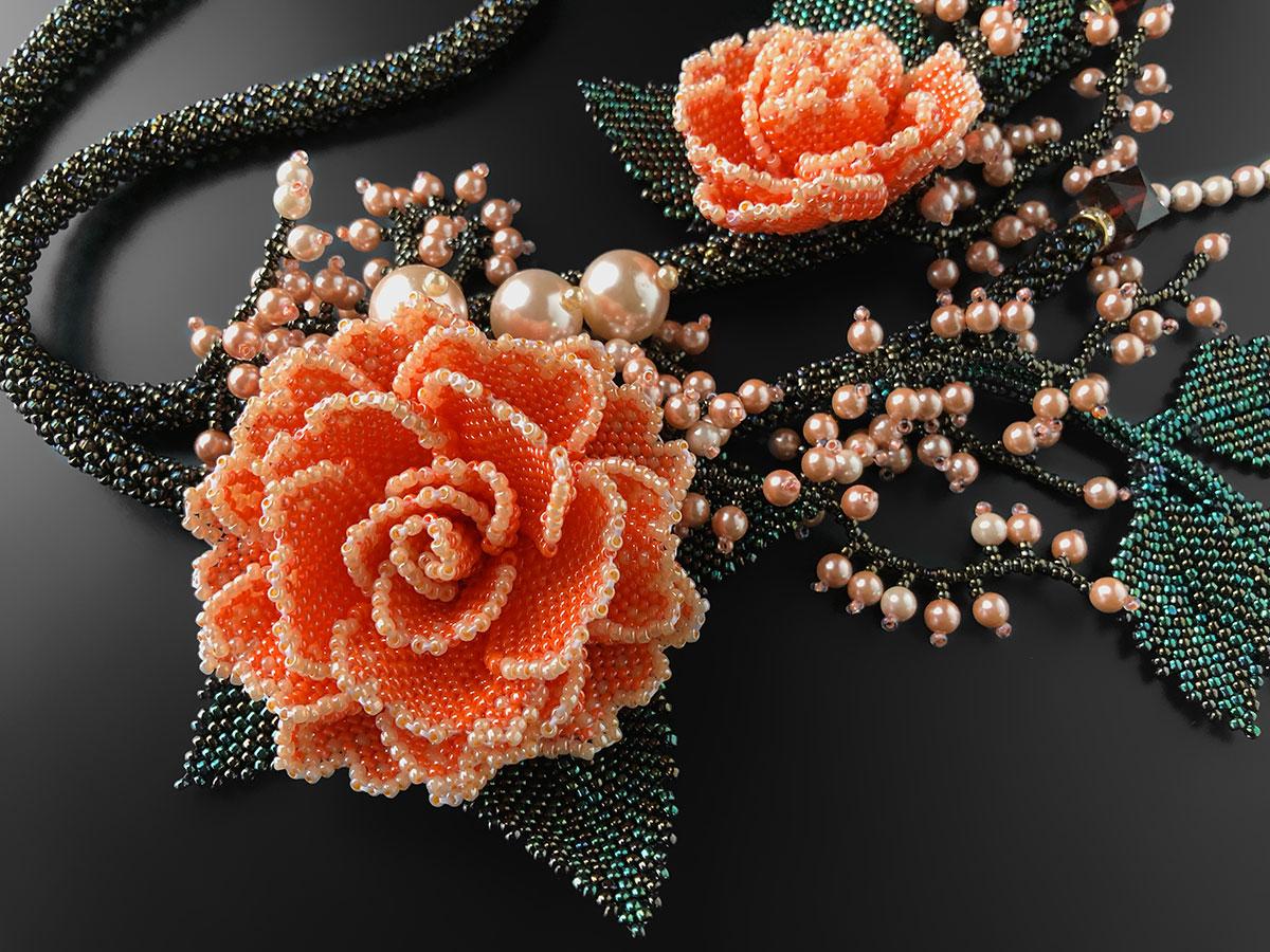 オレンジのボリューム薔薇ネックレス