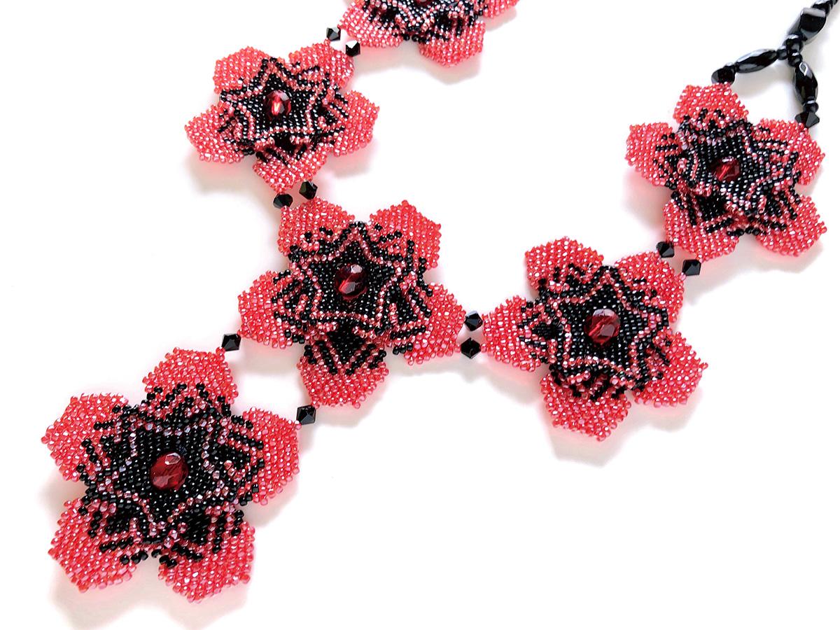 紅小豆のお花ビーズネックレス